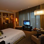 Large, comfortable room with floor-to-ceiling full-height window for best view of Cotai
