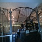 Rendezvous Bar - Birdcage Theme