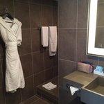 Salle de bains suite 115