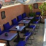 La terrasse, où il fait bon prendre le petit déjeuner