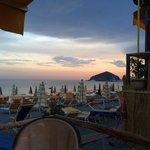 tramonto dalla spiaggia dei Maronti - in fondo Sant' Angelo