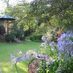 Guest House Oaktree Garden