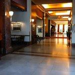 lobby Crowne Plaza