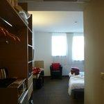 Habitación cómoda y luminosa