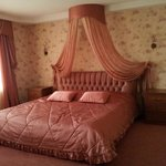 "chambre ""Romantic""( king size bed)"