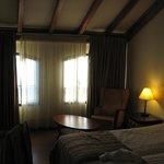 Meron Room...no sofa..no balcony