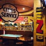 Henry J Beans Bar & Grill
