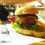 Burger clásico de black angus......