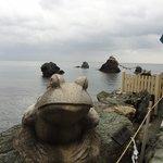 蛙と夫婦岩