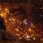 vista desde el 5º piso de la habitación, una noche de nevada.