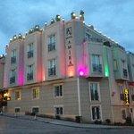 Lovely Hotel Amira