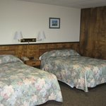 Large 2/3 bed guest room