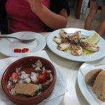 calamaretti e insalata di mare