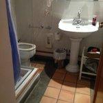 Tiny bathroom not advertised