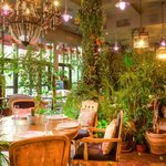 Интерьер ресторана The Сад
