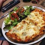 La demie pizza et salade