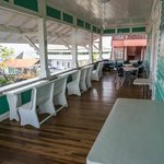 comedor y balcón