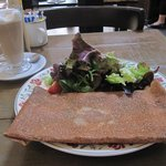 Buckwheat galette with goat's cheese and spinach