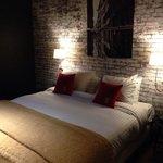 bed in suite 002