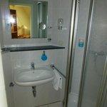 Bad eines Einzelzimmers