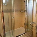 Bathroom - shower head has so many settings, it's fab