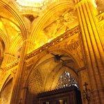 Barcelona, España, Catedral de Santa Eulàlia. Cielo en crucería y claves en vértices.
