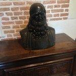 bust of Leonardo