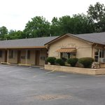 PHONE: 903-742-9291   FRONT AND SIDE OF MOTEL