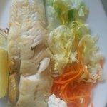 Merluza a la plancha, segundo plato del menu del dia x 7 €