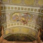 красивый потолок Prunksaal Nationalbibliothek