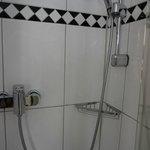 Стильное оформление в ванной комнате