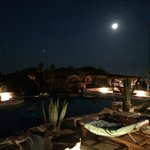 luna piena a bordo piscina