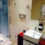 Bathroom 2 in superior room