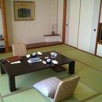 Приветственный чай в номере / Welcome tea (12.5 tatami + 8 tatami room)