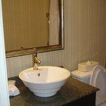 bathroom room 807