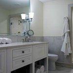 Superior King Suite Bathroom