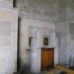La Serena, Chile, Iglesia Santo Domingo. Hermoso confesionario en piedra y puertas de madera.