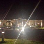 L'hotel by night