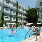 Merhaba hotel Pool and rooms