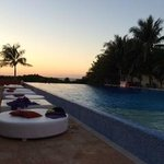 Sunset Pool VIP