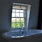 Windmill Suite bath