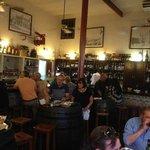 Le Bar et une partie de la salle