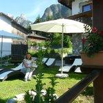 giardino con zona relax