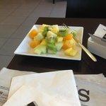 Fruta fresca en el desayuno