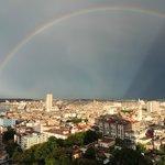 Hermosa vista desde la habitación, lluvia con sol... arcoiris!