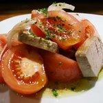 Ensalada de tomate y atun escabechado