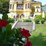 Ansicht Villa vom Garten