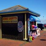 Dinky Donuts, Pensarn Promenade
