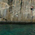 Deep Water Soloing, Ciovo location, Tariguz 6c