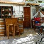 Bar im Innenhof